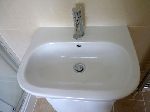new-fitted-bathroom-wash-basin-finishing