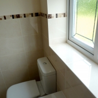 new-fitted-bathroom-tiling
