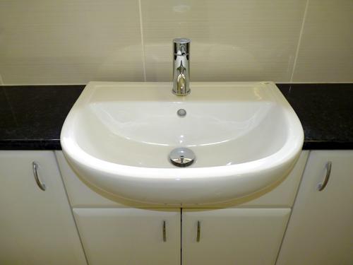 washbasinbuiltin.jpg