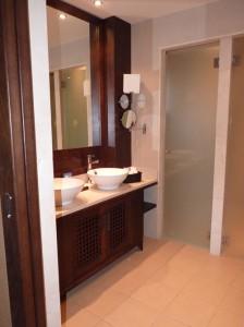 luxury spa bath 3
