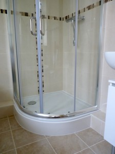 new fitted bathorrom enclosed shower