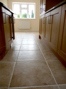 new fitted kitchen tiling finishing